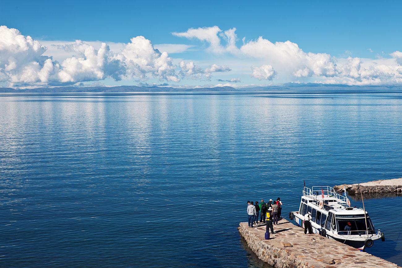 peru_titicaca_boat_1300